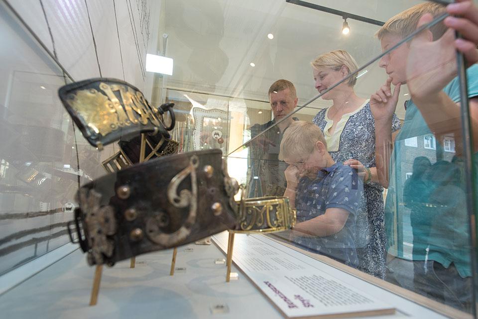 музей ошейников в Лондоне