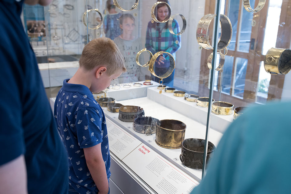 Лондоский музей ошейников