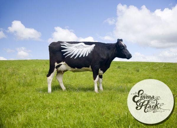 Корова в краске